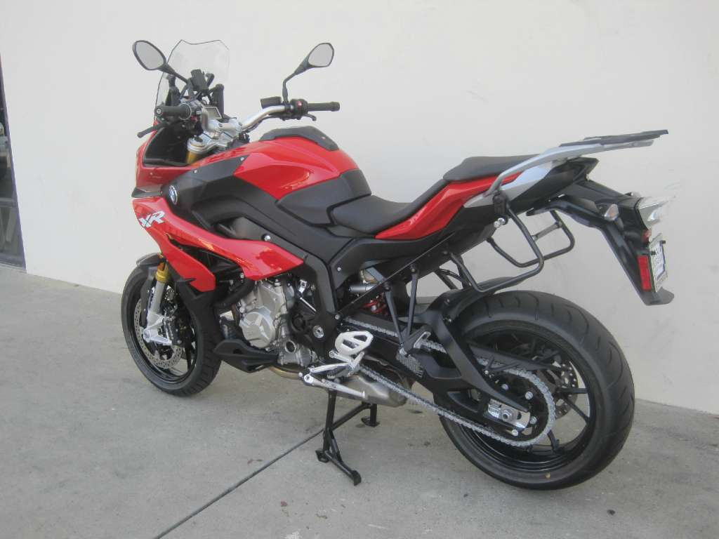 Citaten Sport Xr : Page bmw s xr racing red sport touring