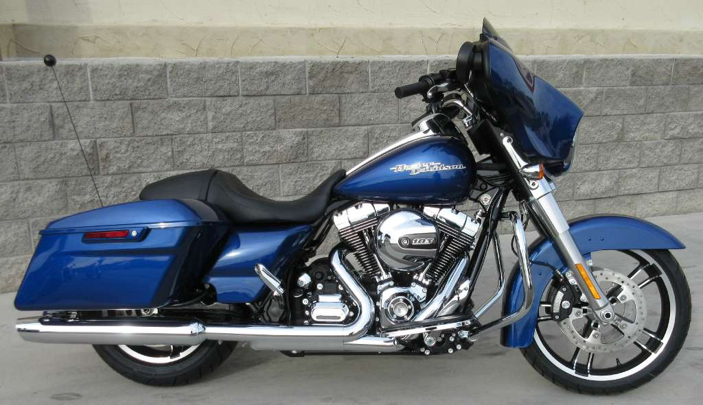What colors are available for the 2015 harley davidson street glide special autos post