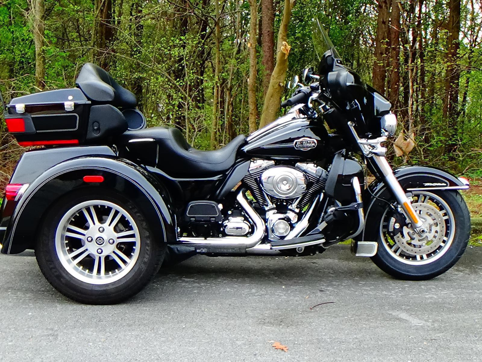 tags page 1 usa new and used flhtcutg triglide motorcycles prices and values. Black Bedroom Furniture Sets. Home Design Ideas