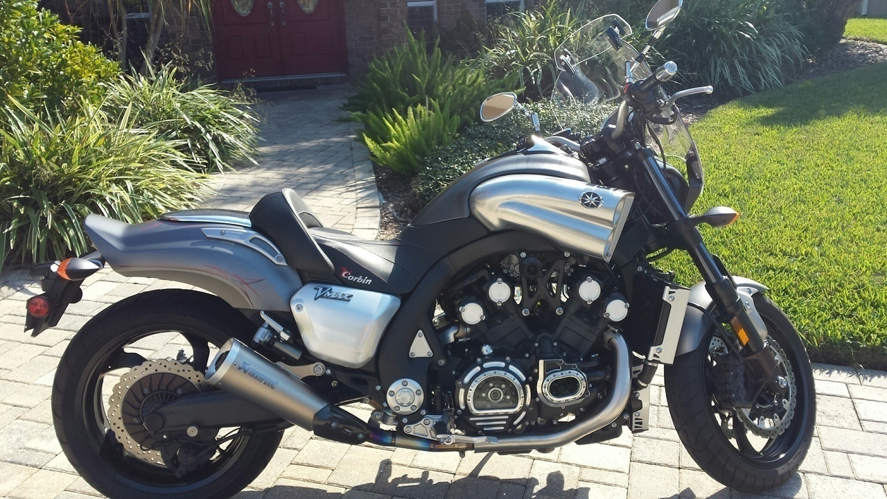 Maxresdefault additionally Trkuryackyn further Triumph Bonneville T Custom furthermore D D D A D E Ffd A A Aa C in addition File. on rear led turn signals motorcycle